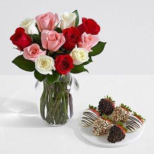 画像1: One Dozen Sweetheart Roses with 6 Fancy Strawberries